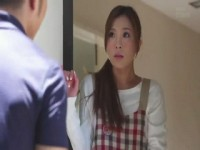 Housewife Will Feel a Big Pang of Regret for Opening the Door