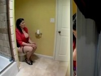BBW Mom Forgot To Lock Bathroom Door