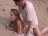 Amateur Tourist Girl Taped Fucking A Local Guy On The Beach